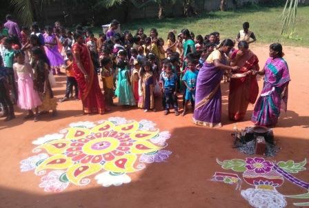 Pongal Kolam groupe selvi compresse