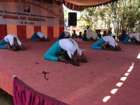 fevrier2016 fete posture yoga 2 redimen